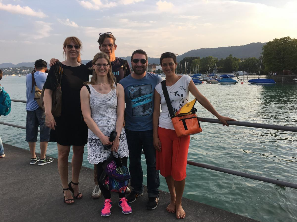 The almost complete Amazee Metrics team at Lake Zürich with Evelyn, Christina, Sierd, Jonathan and Nil.